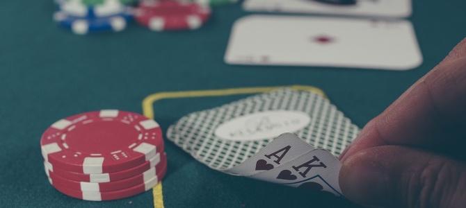 Gry hazardowe dostępne bez wychodzenia z domu
